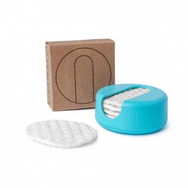 7 Reusable and hand washable make-up removal pads. Lastobject, turquoise front view
